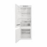 Kombinovaná chladnička SP40 802 EU 2 od spoločnosti WHIRLPOOL, so samostatnou mrazničkou dole v energetickej triede E. Chladnička ponúka hrubý vnútorný objem až 400 litrov. Chladiaci priestor sa skladá z 5 poličiek (z toho sú tri nastaviteľné), extra lahôdková zásuvka a zásuvka na ovocie a zeleninu. Vo dverách sa nachádzajú štyri priečiny a mraziaci priestor sa delí na 3 priehradky. Chladnička disponuje rôznymi funkciami a 6.zmyslom.