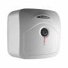 Elektrický ohrievač vody Ariston ANDRIS R 10U je zaradený do energetickej triedy B, čím je zaručená nízka spotreba energie. Inštalácia tohto ohrievača vody je dolná (pod umývadlo). Celkový objem predstavuje 10 l. Výkon je 1,2 kW. Teplotu vody si môžete regulovať prostredníctvom otočného termostatu, ktorý sa nachádza na prednej strane bojlera. Súčasťou je aj ekologická polyuretánová izolácia, ktorá znižuje tepelné straty.