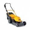 Elektrická kosačka STIGA COMBI 48 E bez pojazdu. Záber v šírke 48 cm pre kosenie plochy až do 1600 m2. Motor s výkonom 1600 W. Nastavenie úrovne výšky strihu 27 – 80 mm. Kôš na trávu s objemom 60 litrov (nastaviteľné aj mulčovanie, zadné vyhadzovanie).