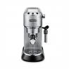 Kvalitný pákový kávovar DELONGHI EC 685 M s profeionálnym tlakom 15 barov.  Objem nádržky na vodu 1,1 l. Súčasťou je napeňovacia tryska, s ktorou si pripravíte napr. lahodné kapučíno so zamatovou penou. Integrované ohrievanie šálok, pre dokonalú prípravu lahodnej kávy. Vhodný na mletú aj porciovanú kávu. K dispozícii možnosť automatického vypnutia, čo šetrí energiu.