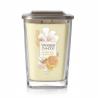 Sviečku Yankee Candle - Rice Milk & Honey 552 g ponúkame v dizajnovom prevedenís vekom z brúseného kovu, ktorý slúži aj, ako podstavec, vďaka čomu je sviečka stabilná. Ide o vôňu: ryžové mlieko a med. Doba horenia: 65 - 80 hodín.
