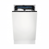 Vstavaná umývačka riadu Electrolux 700 FLEX EEM23100L so šírkou 45 cm. Predný panel pripravený na montáž dosky vo farbe Vašej kuchynskej linky. 6 programov a 3 voliteľné teploty, vrátane programu Eko. Systém sušenia automatickým otvorením dvierok AirDry. Spotreba vody 9,9l a energetická trieda F. Praktická príborová zásuvka MaxiFlex pre kuchynské náčinie rôznych veľkostí.